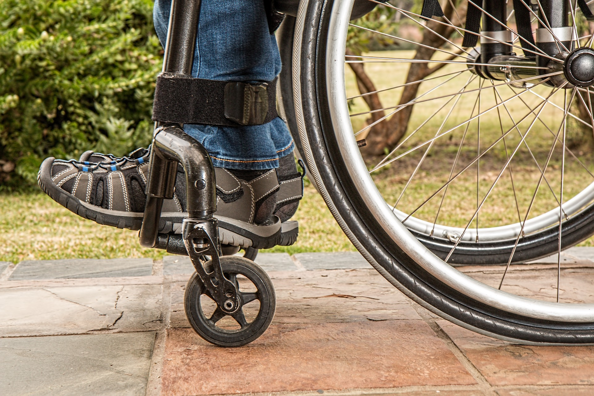 How A Wheelchair User Lives Independently Through Technology